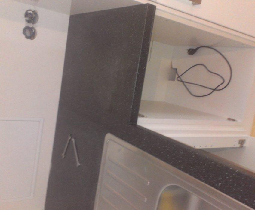 Montáž kuchyňské pracovní desky