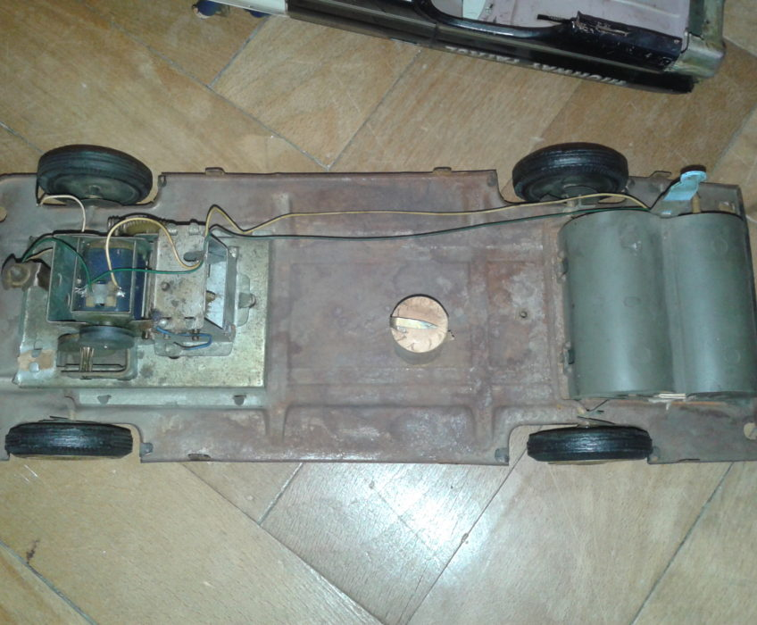 Oprava hračky auta
