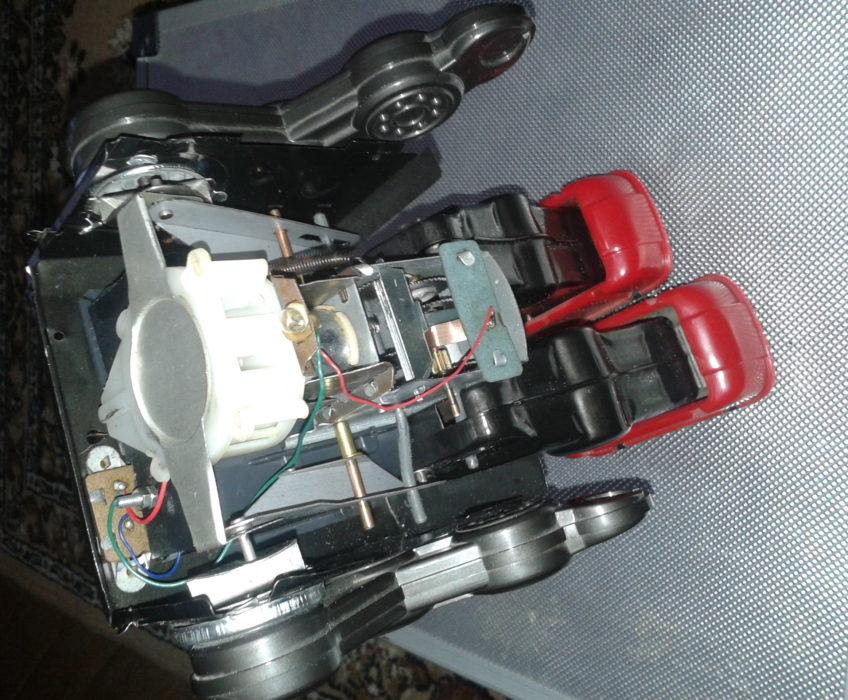 Oprava hračky robota