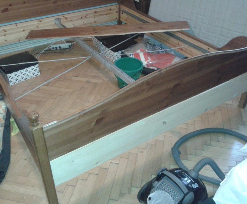 Oprava konstrukce postele-výměna desky