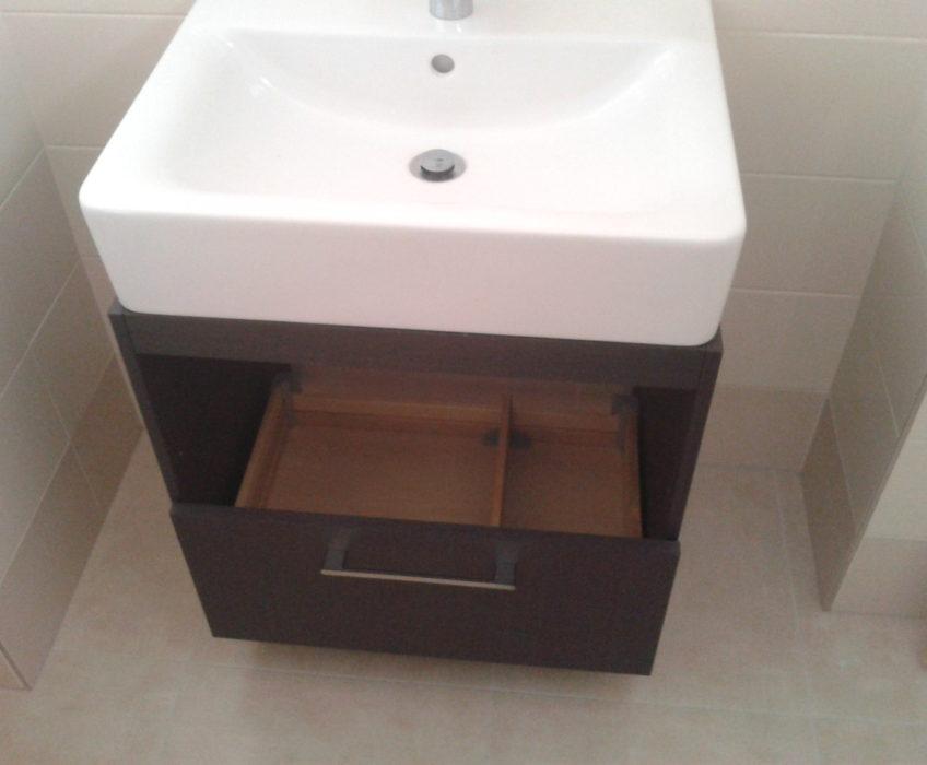 Montáž umyvadlové skříňky