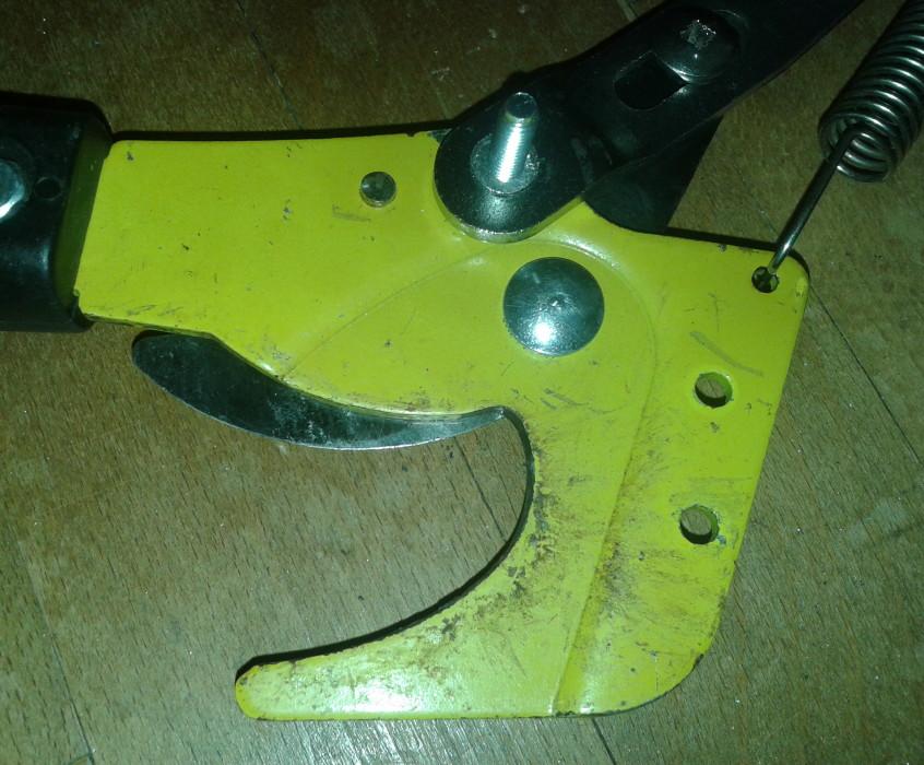 Nůžky na větve oprava