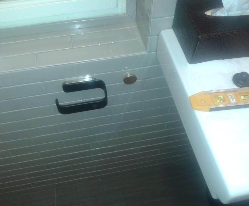 Montáž doplňků v bytě
