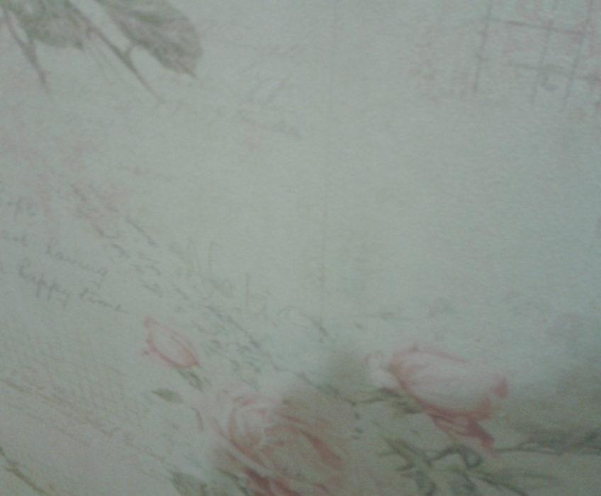 Lepení papírové tapety