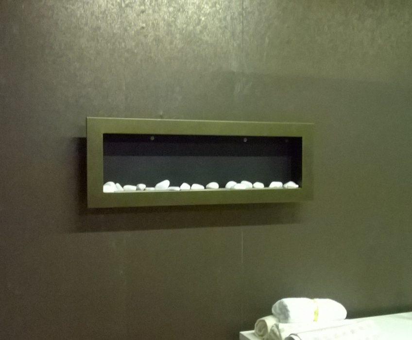 Montáž garnýží, nástěnného krbu ad. v masážním salonu