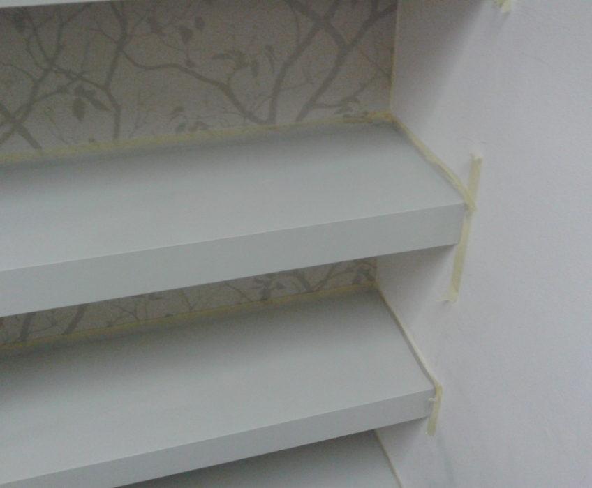 Použití papírových pásek proti nechtěnému zatečení barvy