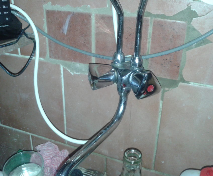Oprava protékajícího vodovodního kohoutku