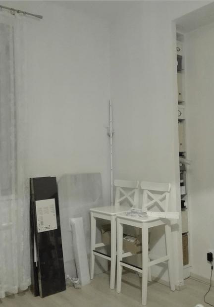 Tapetování a montáž poliček