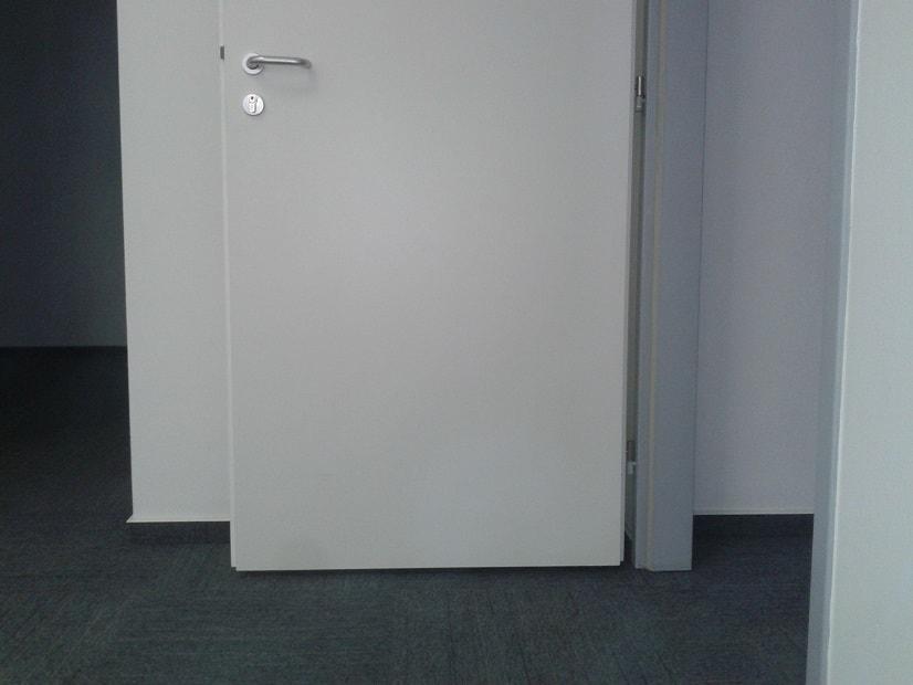 Oprava prokopnutých dveří