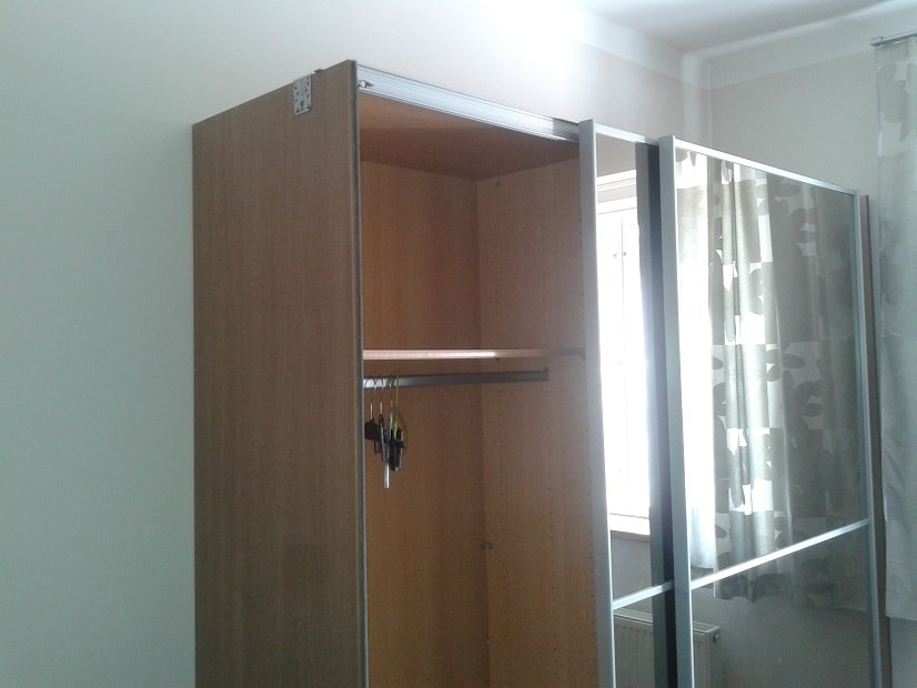 Oprava skříně