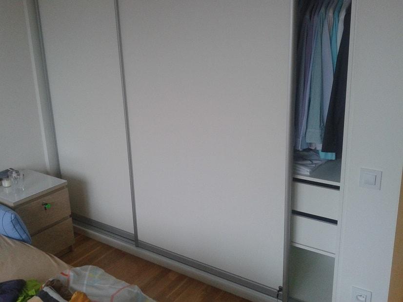 Montáž zámků na vestavěnou skříň