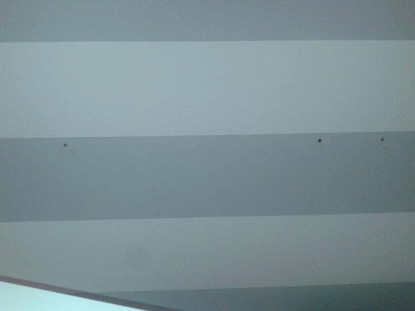Uchycení skříněk ke zdi