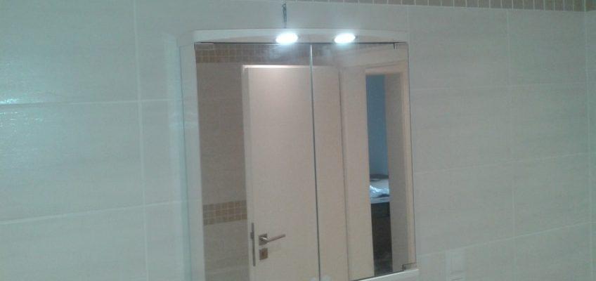 Montáž koupelnové skříňky