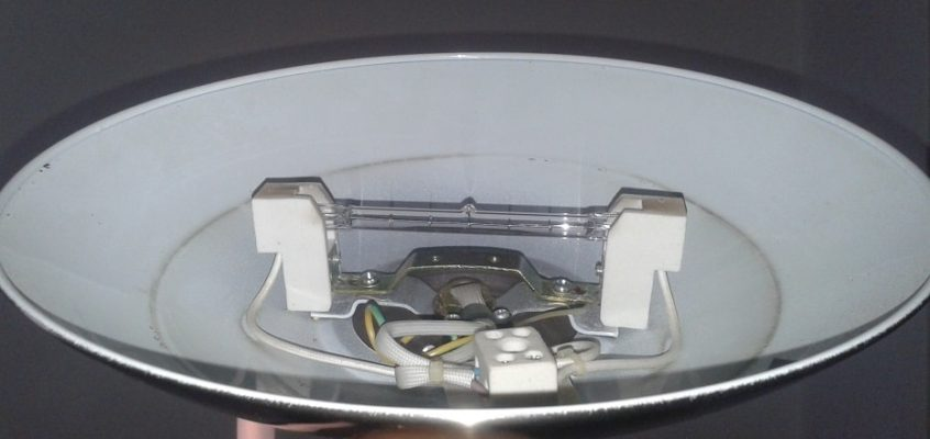 Oprava stojací lampy