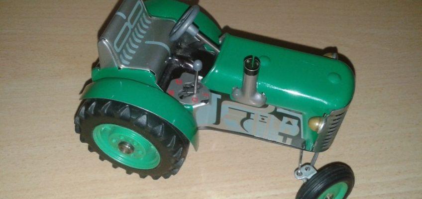 Oprava hračky traktoru Zetor