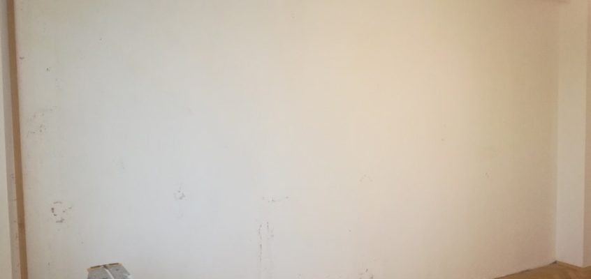 Tapetování písmenková tapeta