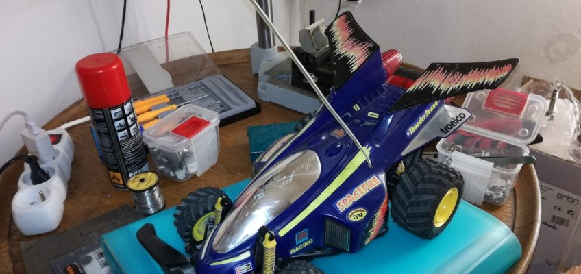 Oprava RC modelu auta