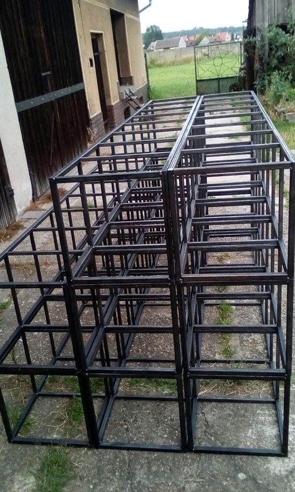 Výroba ocelových věží na police