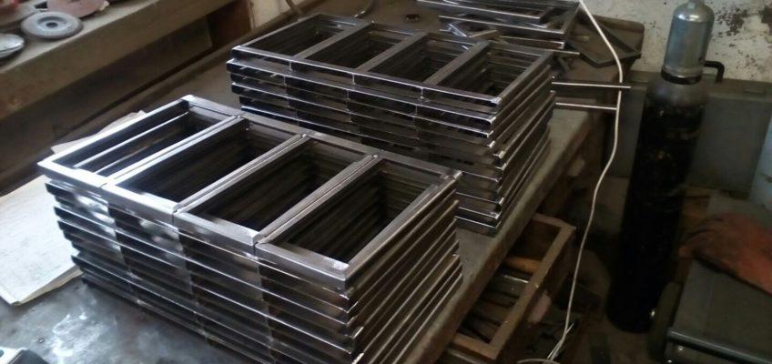 Výroba listářů pro CD