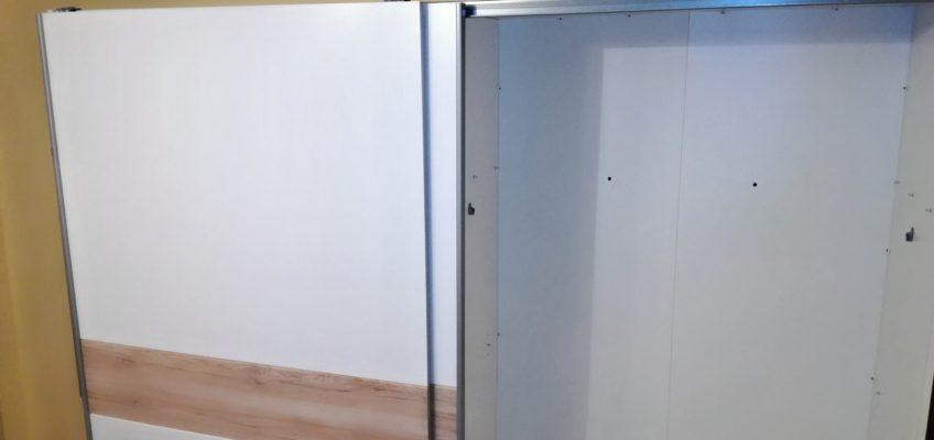 Montáž, sestavení šatní skříně