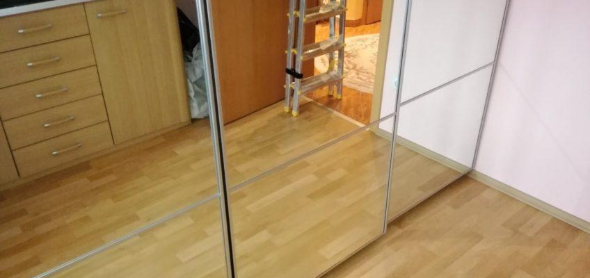 Oprava mechanismu posuvných dveří