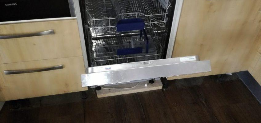 Oprava otevírání myčky