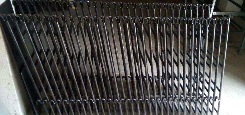 Výroba stojanů na CD