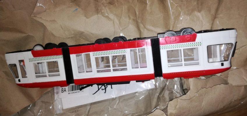 Oprava hračky tramvaje