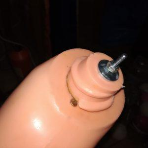 Oprava nohy panenky