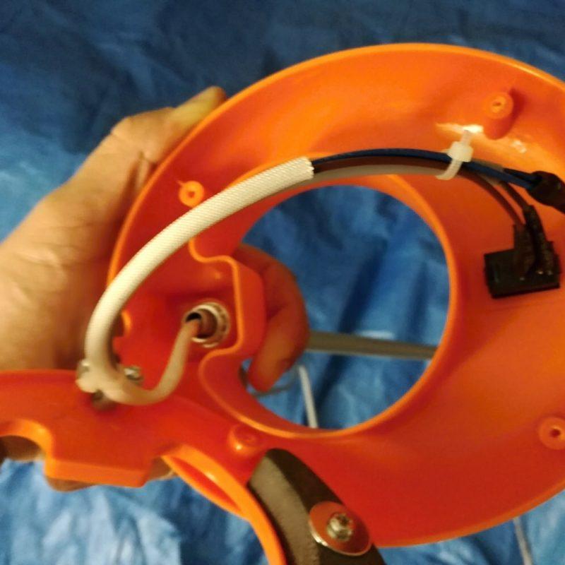 Výměna přívodního kabelu lampičky