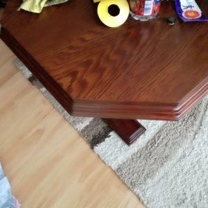 Oprava poškozeného stolu