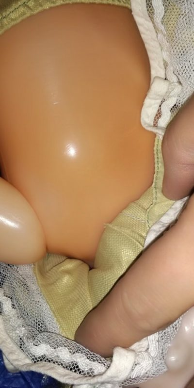 Oprava ruky u panenky