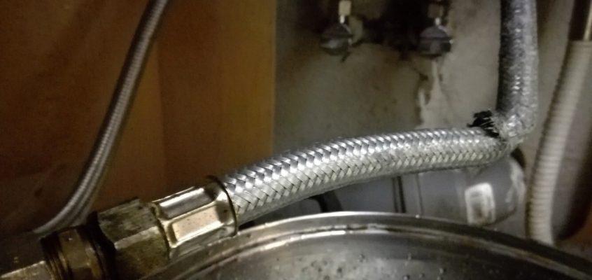 Výměna vodovodní hadice